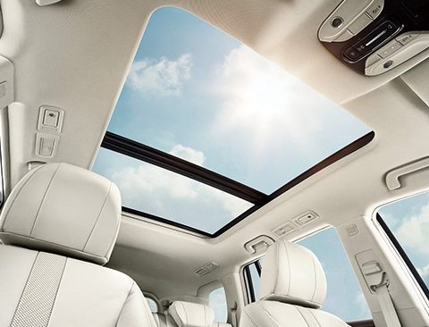 GAC GS8 Supersized panoramic sunroof